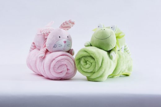 Fleece Blanket with Soft Toy 1