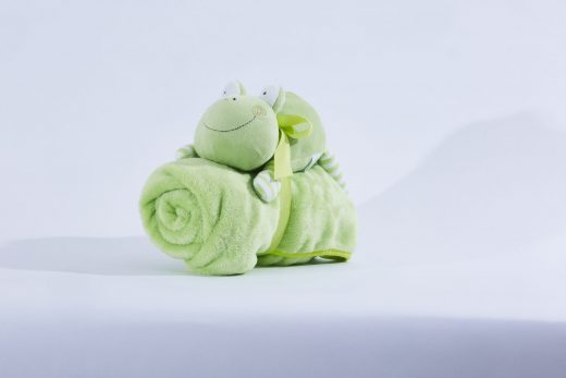 Fleece Blanket with Soft Toy 3