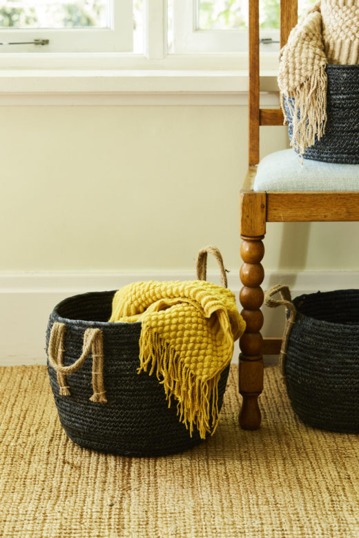 Super Soft Throw with Fringe Detail 2